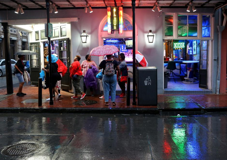 Tourists gather on Bourbon St. during Hurricane Barry in New Orleans | Autor: Jonathan Bachman/REUTERS/PIXSELL/REUTERS/PIXSELL