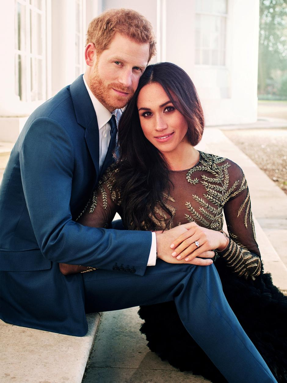 FILE PHOTO: An official engagement photo released by Kensington Palace of Prince Harry and Meghan Markle taken by photographer Alexi Lubomirski, at Frogmore House in Windsor | Autor: Handout/REUTERS/PIXSELL/REUTERS/PIXSELL