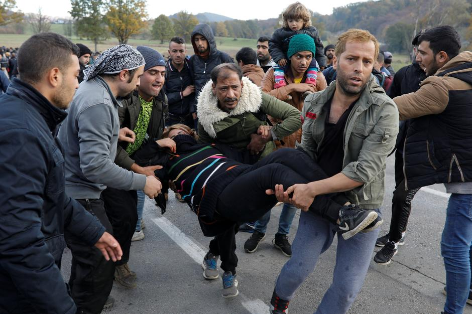 Migrants at the Maljevac border crossing between Bosnia and Croatia | Autor: MARKO DJURICA/REUTERS/PIXSELL/ANTONIO BRONIC