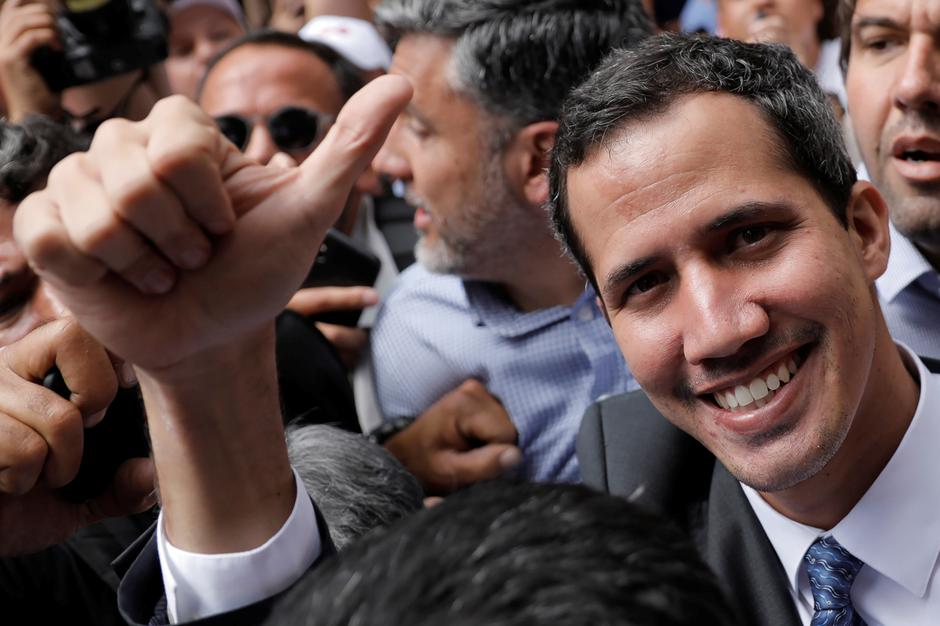 Venezuela's opposition leader Juan Guaido gestures as he arrives for a news conference in Caracas, Venezuela | Autor: CARLOS BARRIA/REUTERS/PIXSELL/REUTERS/PIXSELL