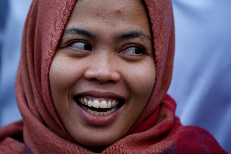 Siti Aisyah, who was previously a suspect in the murder case of North Korean leader's half brother Kim Jong Nam, laughs during a news conference, after a Malaysian court released her of charges at Halim Perdanakusuma airport in Jakarta | Autor: WILLY KURNIAWAN/REUTERS/PIXSELL/REUTERS/PIXSELL