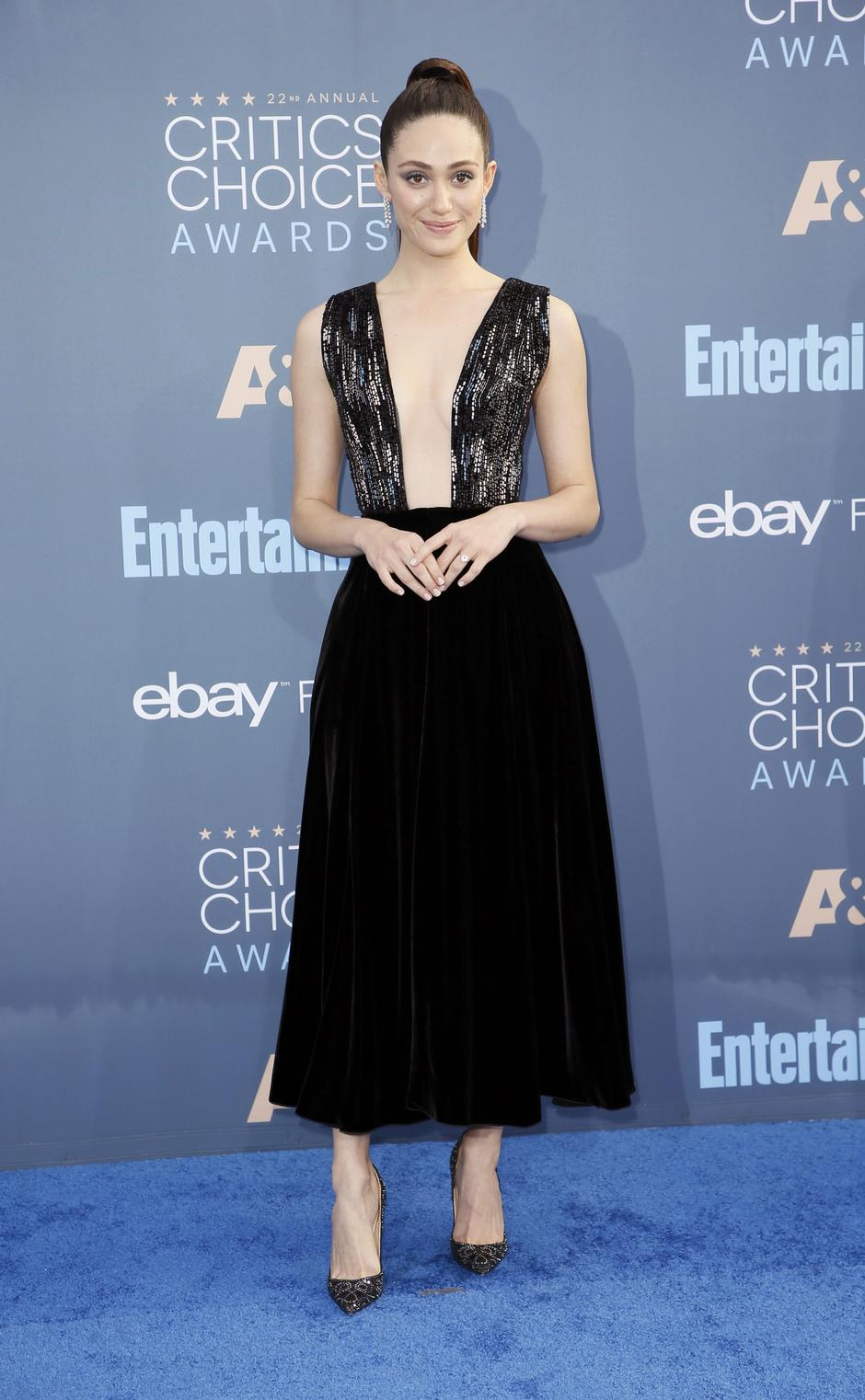 Actress Emmy Rossum arrives at the 22nd Annual Critics' Choice Awards in Santa Monica | Autor: DANNY MOLOSHOK