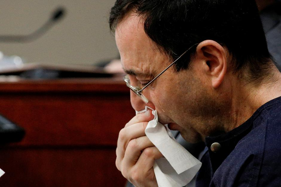 Larry Nassar, a former team USA Gymnastics doctor who pleaded guilty in November 2017 to sexual assault charges, sits in the courtroom during his sentencing hearing in Lansing, Michigan | Autor: BRENDAN MCDERMID/REUTERS/PIXSELL/REUTERS/PIXSELL