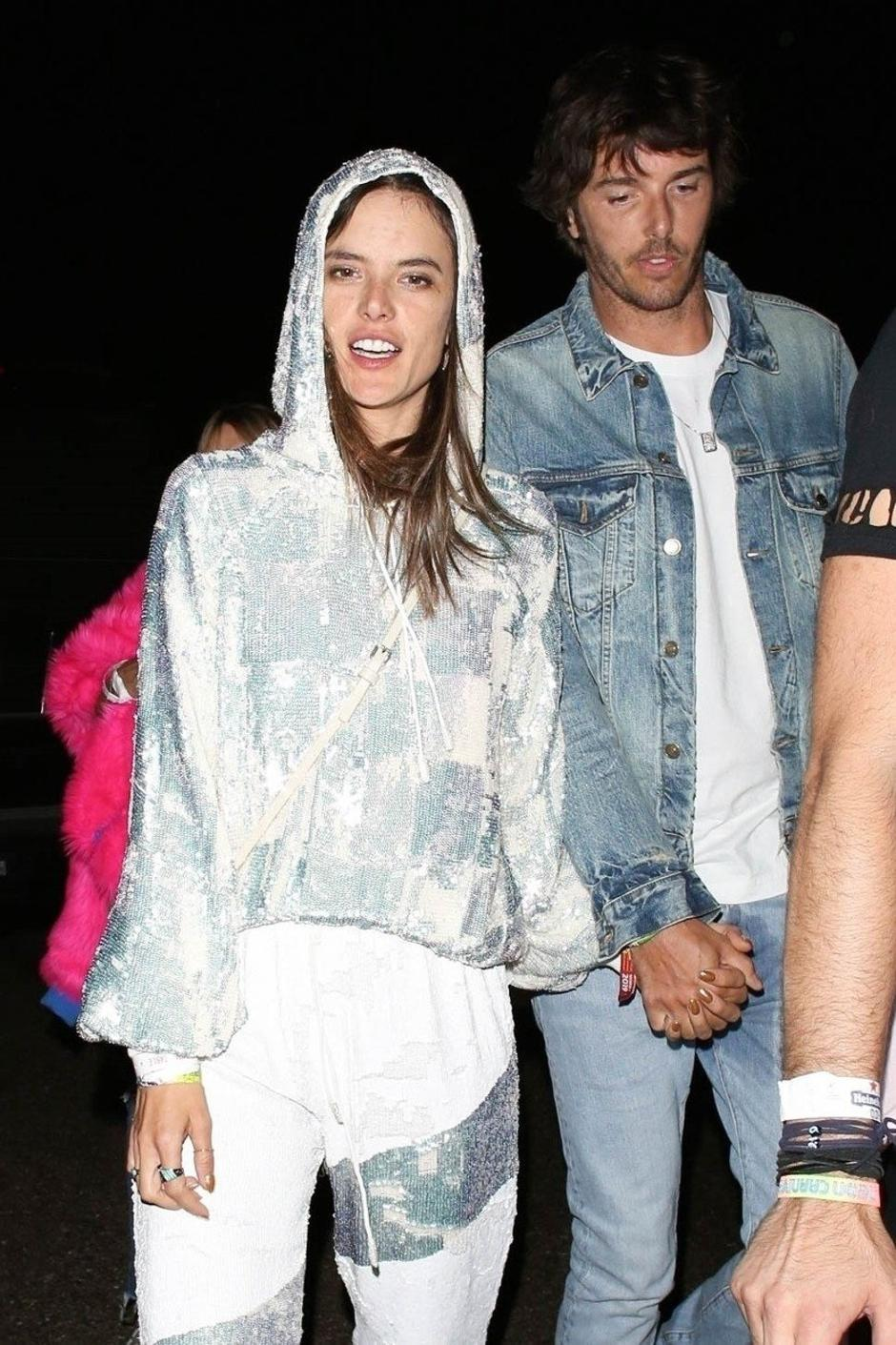 Alessandra Ambrosio and Boyfriend exit  Coachella's party the Neon Carnival | Autor: GICA, SARA