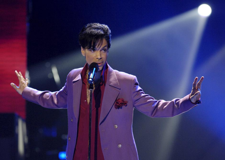 "Prince performs during ""American Idol"" finale at Kodak Theater in Hollywood 