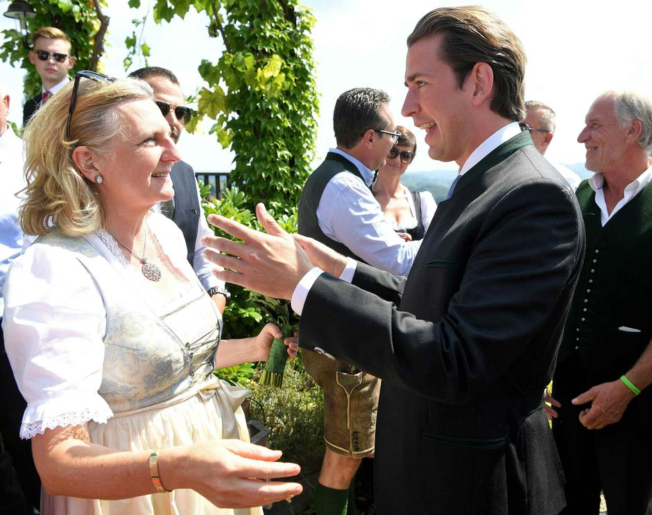 Austria's Chancellor Kurz congratulates Foreign Minister Kneissl at her wedding in Gamlitz | Autor: POOL