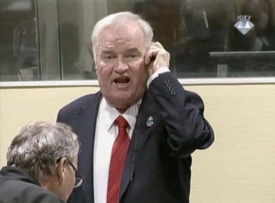 Ex-Bosnian Serb wartime general Ratko Mladic reacts in court at the International Criminal Tribunal for the former Yugoslavia in the Hague | Autor: Handout/REUTERS/PIXSELL/REUTERS/PIXSELL