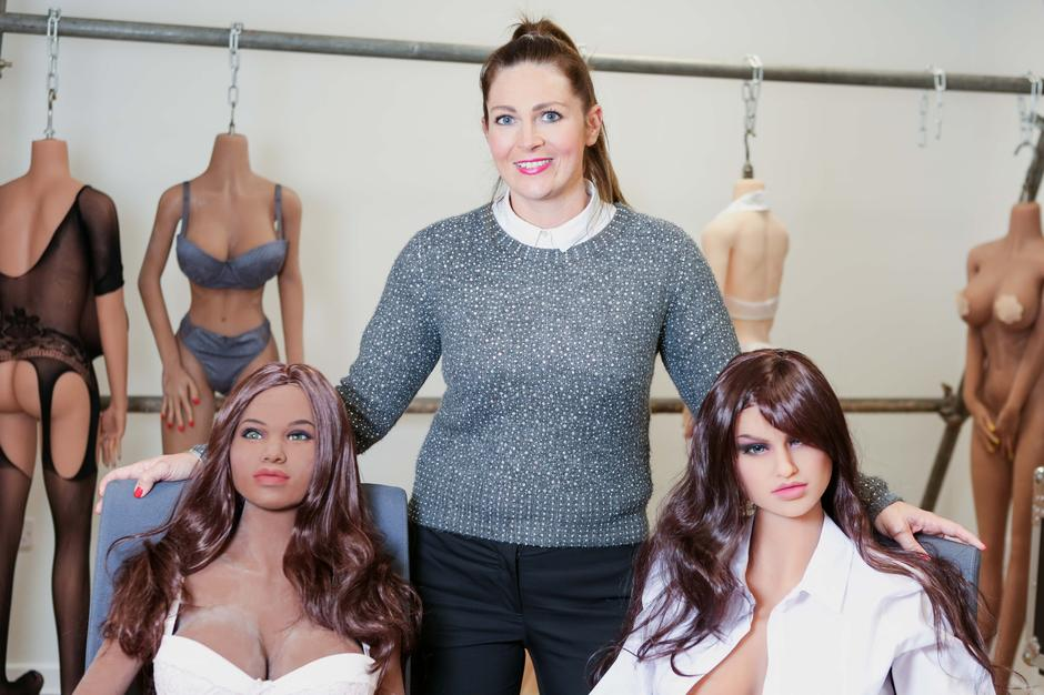 SEX DOLLS FOR HIRE | Autor: JAMES WARD/CATERS NEWS