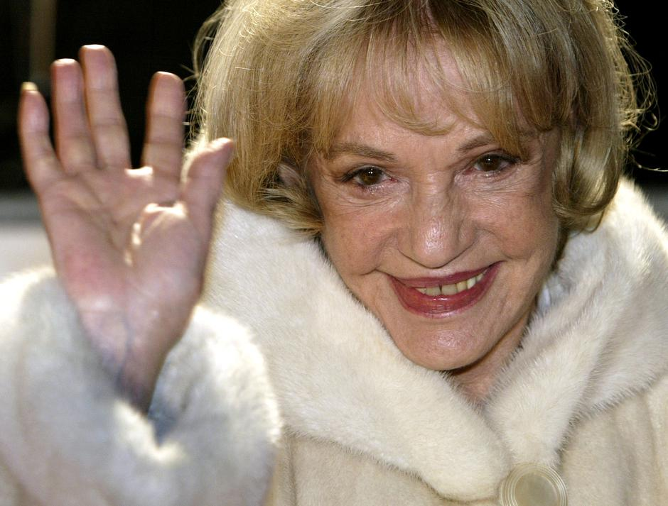 FILE PHOTO - Actress Jeanne Moreau arrives at the European film awards ceremony in Berlin | Autor: Fabrizio Bensch/REUTERS/PIXSELL/REUTERS/PIXSELL