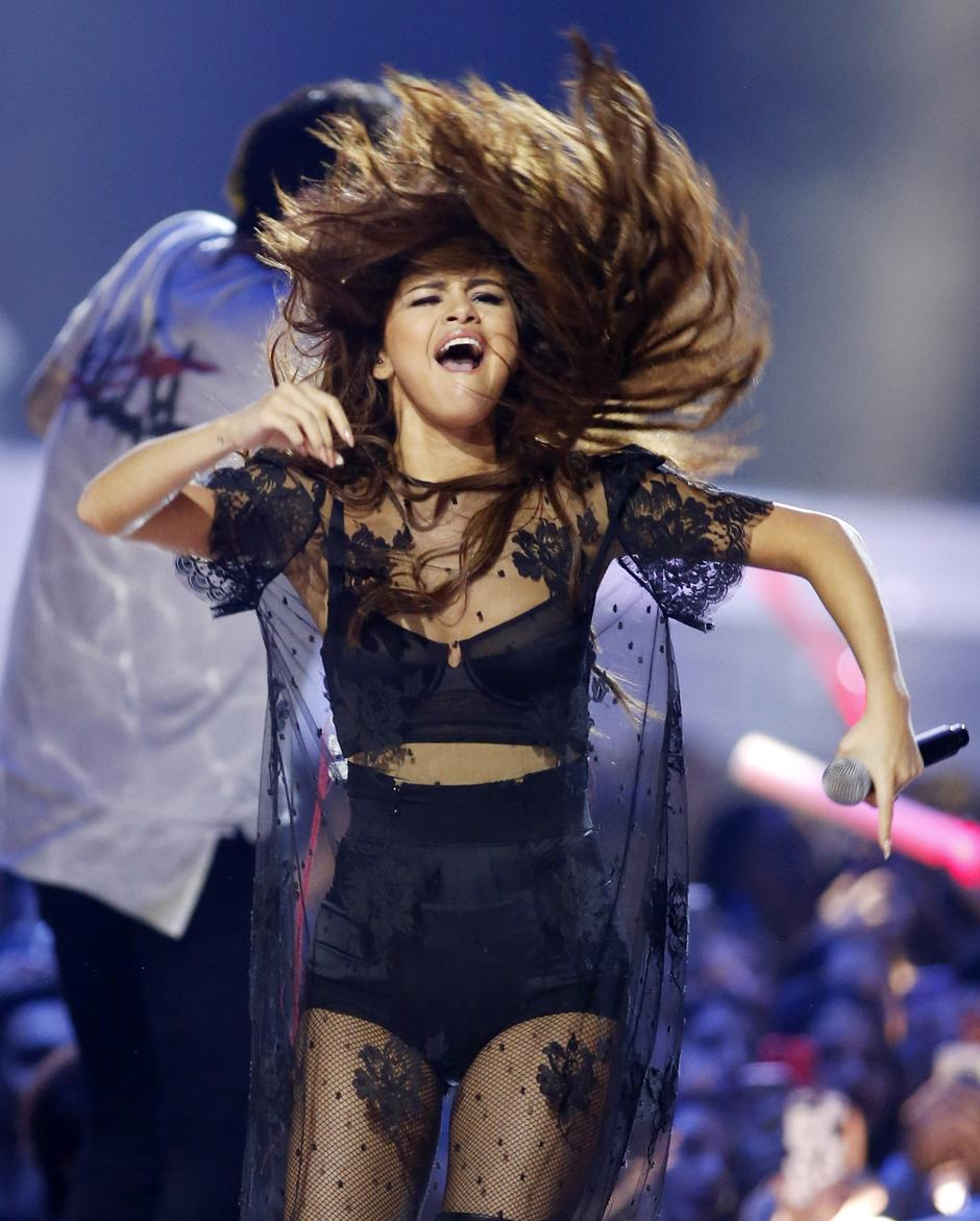 Singer Selena Gomez performs during We Day California in Inglewood | Autor: DANNY MOLOSHOK/REUTERS/PIXSELL/R