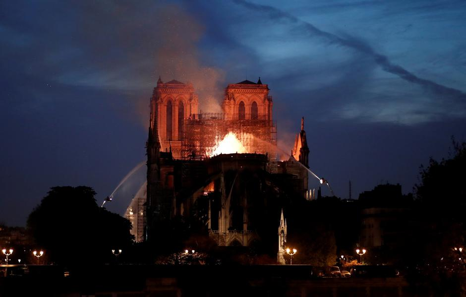 Fire at Notre Dame Cathedral in Paris | Autor: BENOIT TESSIER/REUTERS/PIXSELL/REUTERS/PIXSELL