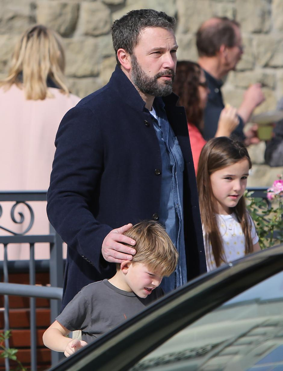 Ben Affleck and ex-wife Jennifer Garner at Church with their children in Los Angeles | Autor: Profimedia