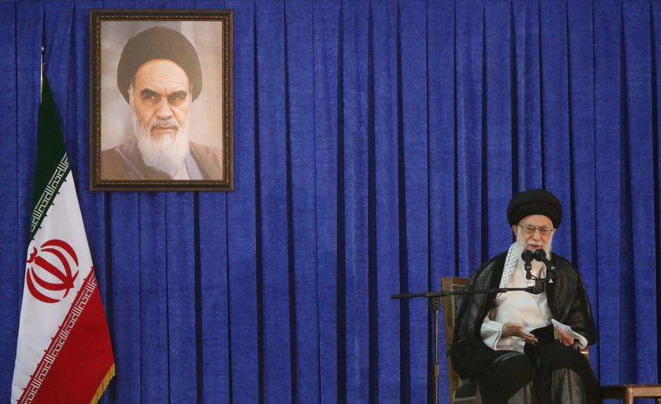 FILE PHOTO: Iran's Supreme Leader Ayatollah Ali Khamenei delivers a speech during a ceremony marking the death anniversary of the founder of the Islamic Republic Ayatollah Ruhollah Khomeini, in Tehran | Autor: Reuters Photographer/REUTERS/PIXSELL/REUTERS/PIXSELL