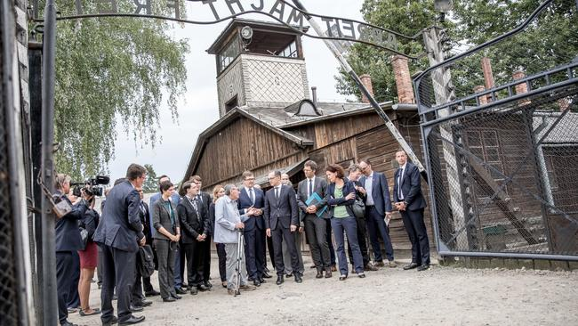 Foreign Minister Maas visits Auschwitz