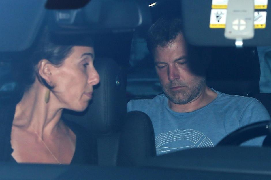 Jennifer Garner shows up to rescue Ben Affleck and check him into rehab! | Autor: NIKO