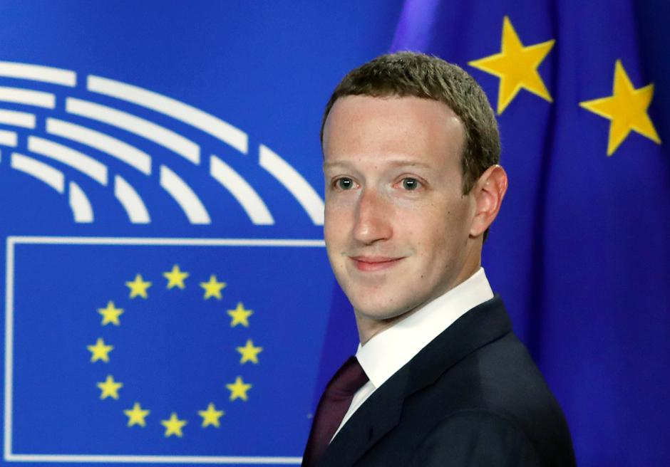 Facebook's CEO Mark Zuckerberg arrives at the European Parliament to answer questions in Brussels | Autor: YVES HERMAN