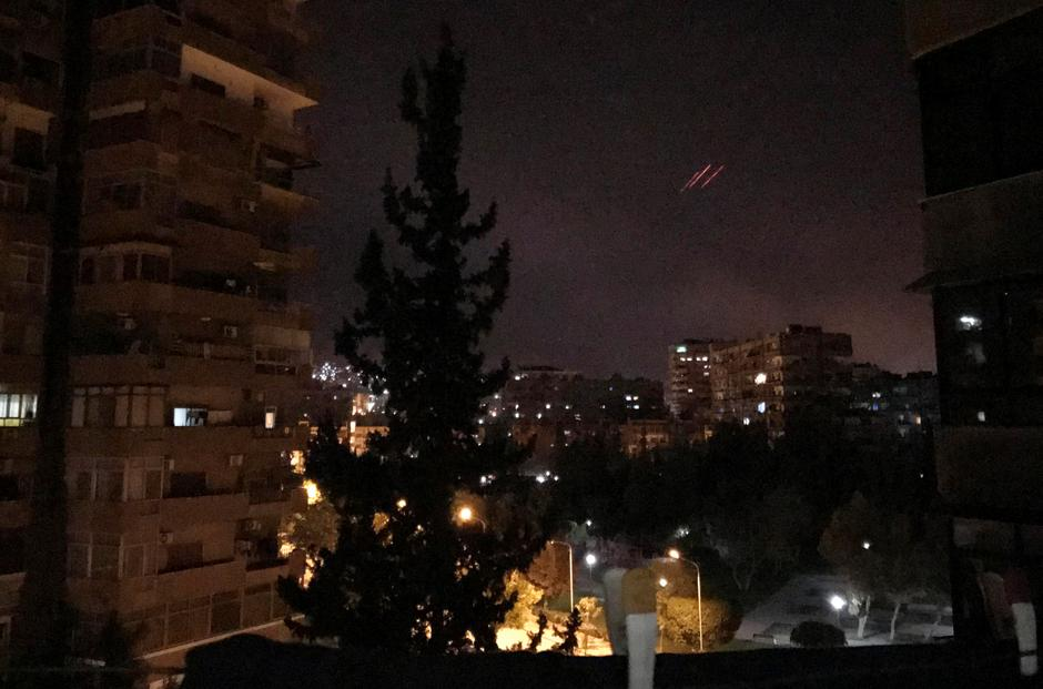 Anti-aircraft fire is seen over Damascus,Syria | Autor: STAFF/REUTERS/PIXSELL/REUTERS/PIXSELL
