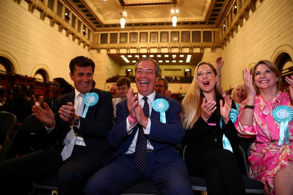 Brexit Party leader Nigel Farage reacts to the results for the European Parliamentary election in Southampton | Autor: HANNAH MCKAY/REUTERS/PIXSELL/REUTERS/PIXSELL