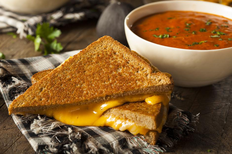 Homemade Grilled Cheese with Tomato Soup | Autor: Brent Hofacker