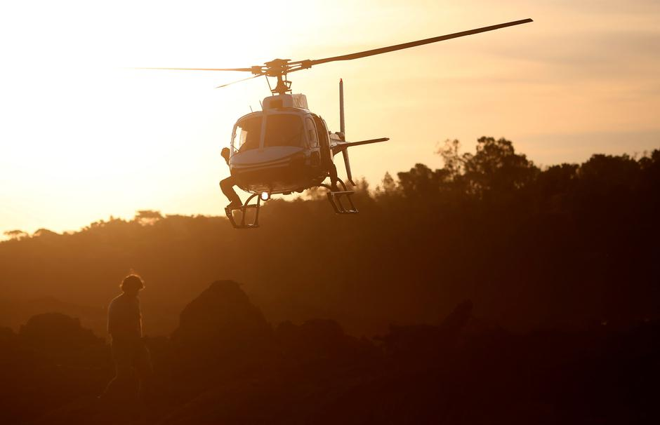 A rescue helicopter flies after a tailings dam owned by Brazilian mining company Vale SA collapsed, in Brumadinho | Autor: ADRIANO MACHADO/REUTERS/PIXSELL/REUTERS/PIXSELL