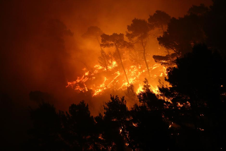 A wildfire is seen in the village of Mravince near Split | Autor: ANTONIO BRONIC
