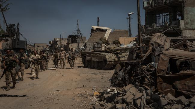 Heavy fighting in Mosul
