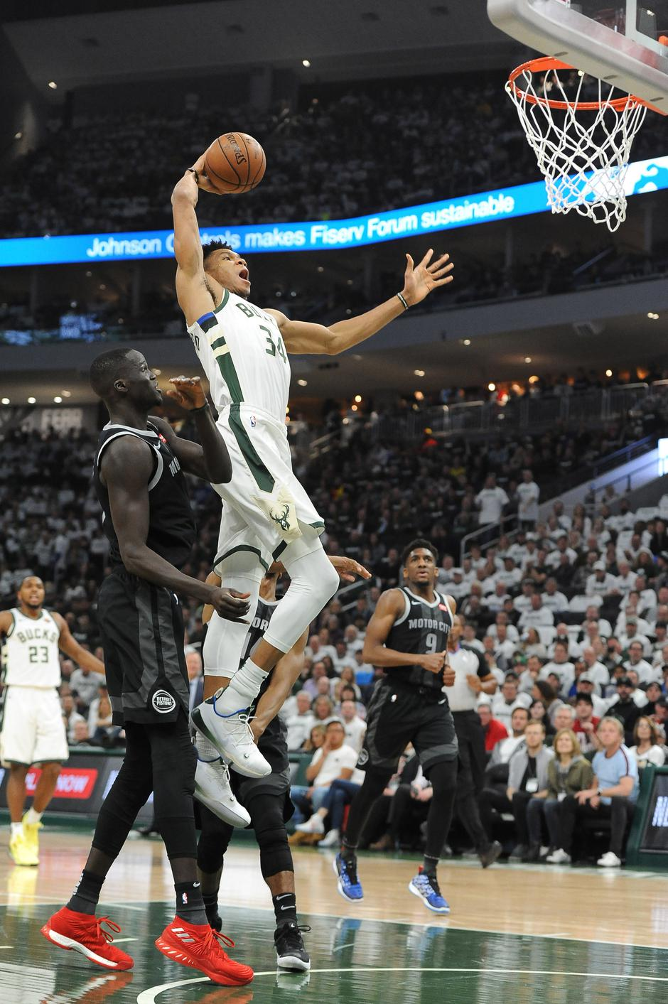 NBA: Playoffs-Detroit Pistons at Milwaukee Bucks | Autor: Michael McLoone