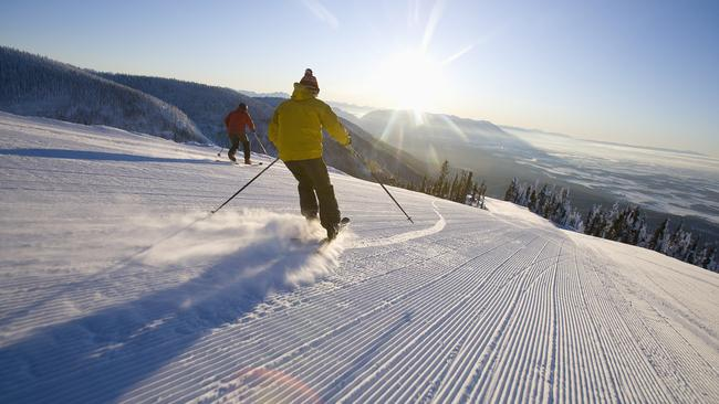 USA, Montana, Whitefish, Two man on ski slope