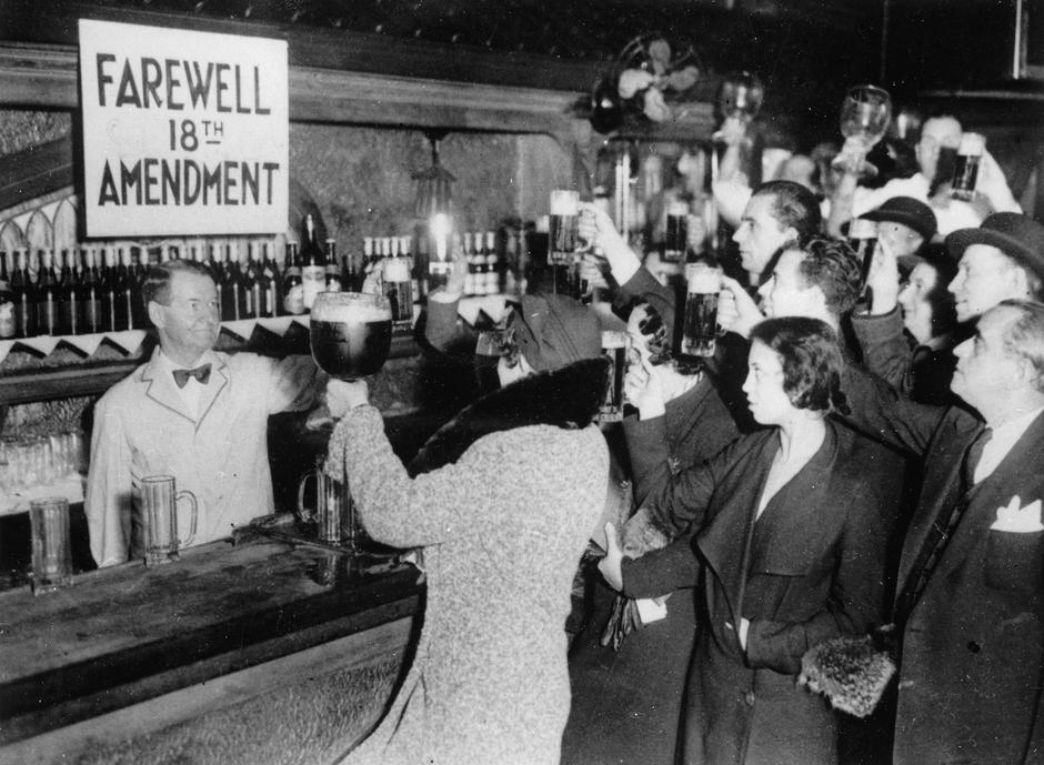 People of New York are celebrating the end of the Prohibition | Autor: Profimedia