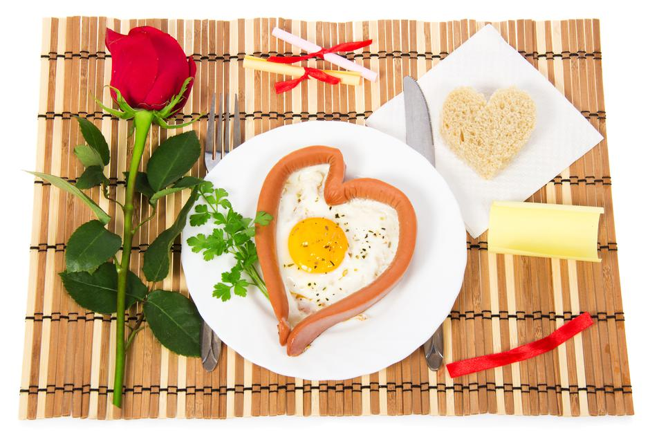 Valentine's Day. Sausage in the form of heart | Autor: Dreamstime