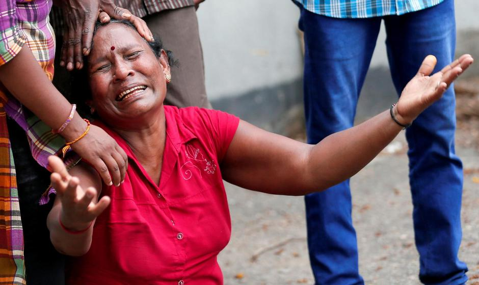 A relative of a victim of the explosion at St. Anthony's Shrine, Kochchikade church, reacts at the police mortuary in Colombo | Autor: DINUKA LIYANAWATTE/REUTERS/PIXSELL/REUTERS/PIXSELL
