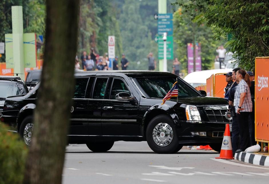 The motorcade of U.S. President Donald Trump arrives at the Capella hotel, the venue of the summit between North Korea and the U.s., on Sentosa island in Singapore | Autor: KIM KYUNG-HOON