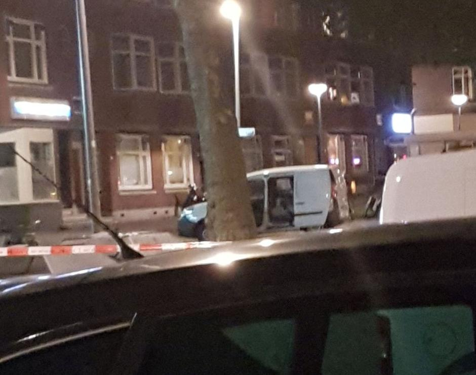 Police investigate a van with Spanish licence plates containing gas canisters which was found near a Rotterdam venue where a rock concert was cancelled | Autor: HANDOUT