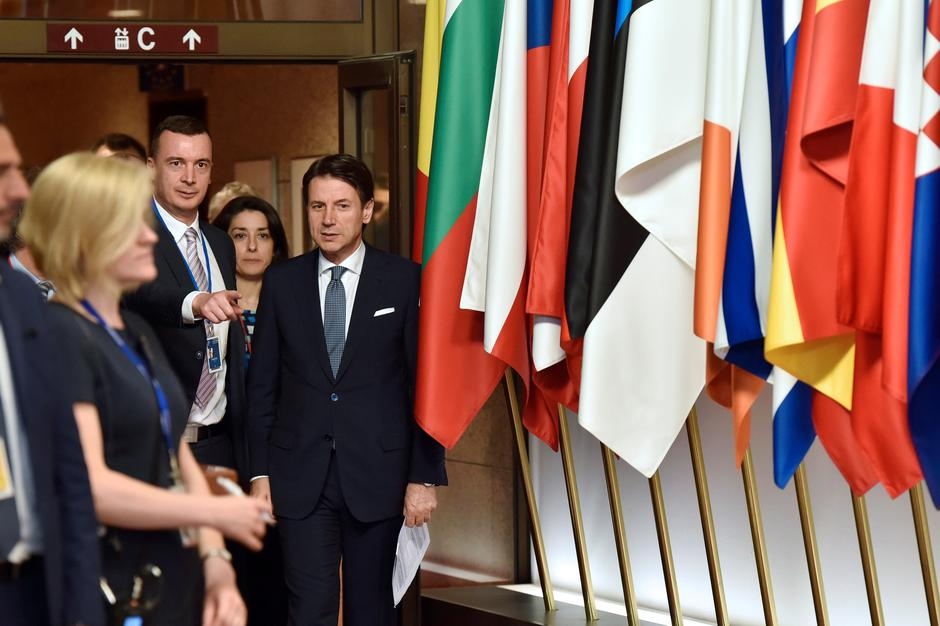 Italian PM Conte leaves a European Union leaders summit in Brussels | Autor: ERIC VIDAL