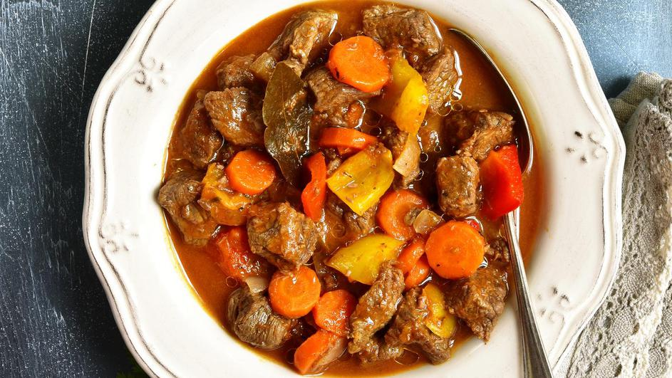 Meat stewed with vegetables