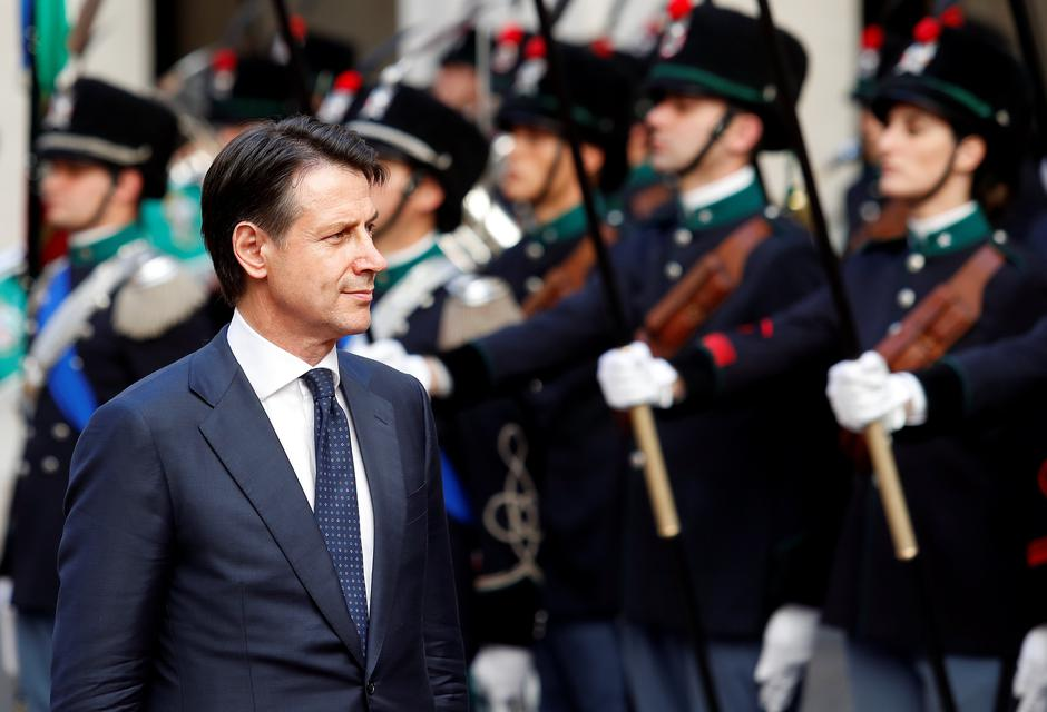 Italy's Prime Minister Giuseppe Conte reviews the guard of honour at Chigi palace in Rome | Autor: ALESSANDRO BIANCHI/REUTERS/PIXSELL/REUTERS/PIXSELL