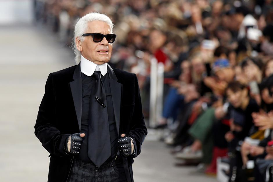 FILE PHOTO -  German designer Karl Lagerfeld appears at the end of his Spring/Summer 2014 women's ready-to-wear fashion show for French fashion house Chanel during Paris fashion week | Autor: BENOIT TESSIER/REUTERS/PIXSELL/REUTERS/PIXSELL
