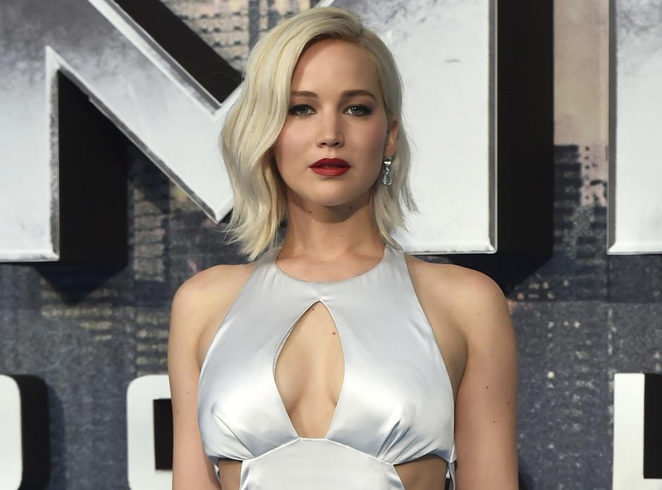 Actor Jennifer Lawrence arrives at a screening of X-Men Apocalypse at a cinema in London | Autor: HANNAH MCKAY/REUTERS/PIXSELL/REUTERS/PIXSELL
