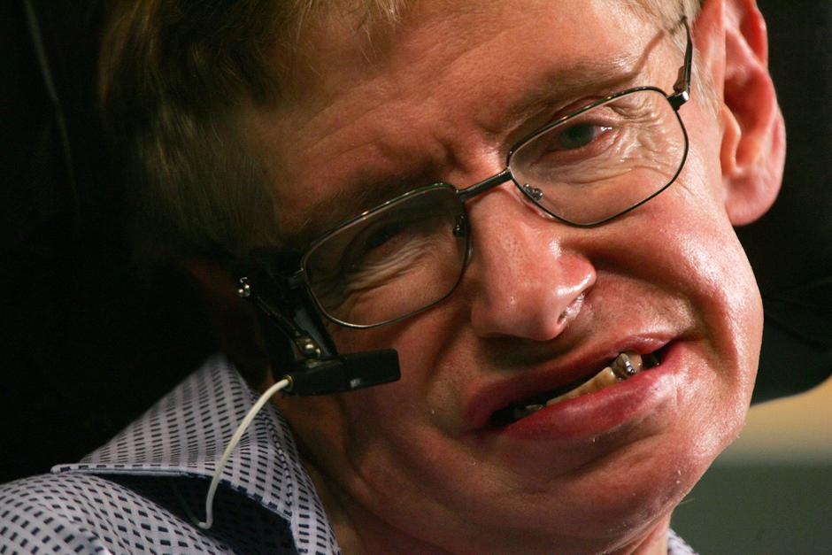 FILE PHOTO: Stephen Hawking attends a news conference at the Hong Kong University of Science and Technology | Autor: Paul Yeung