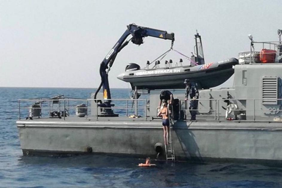 photo of the rescue operation by Croatian Coast Guard