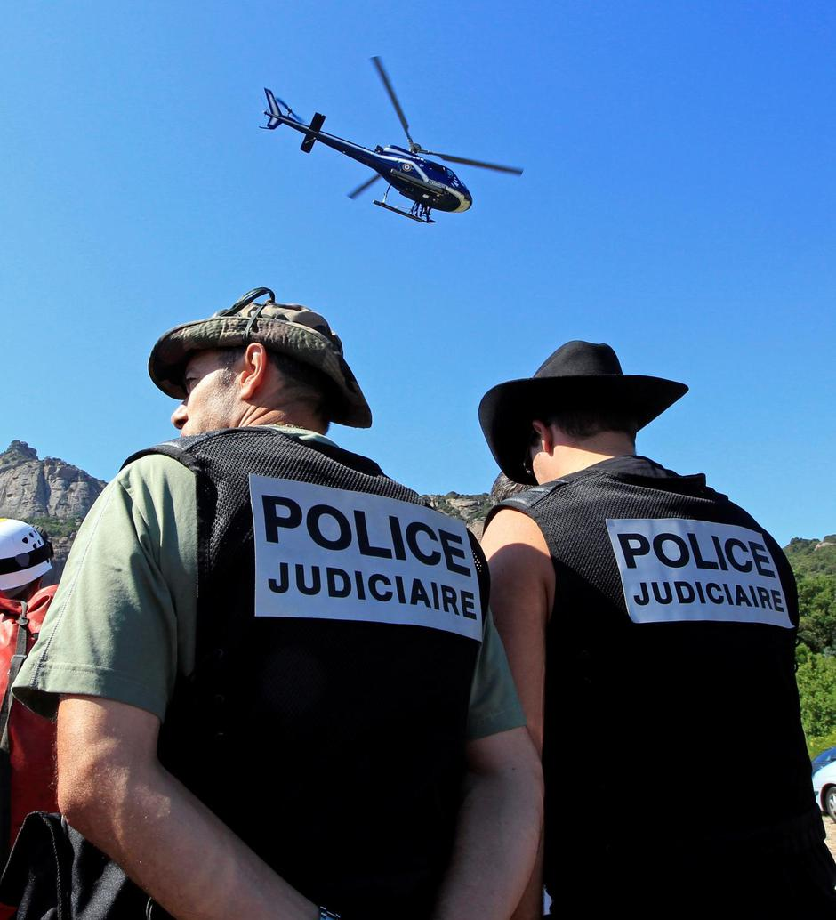 FILE PHOTO: French policemen take part to a research patrol in Roquebrune-sur-Argens | Autor: JEAN-PAUL PELISSIER/REUTERS/PIXSELL/REUTERS/PIXSELL
