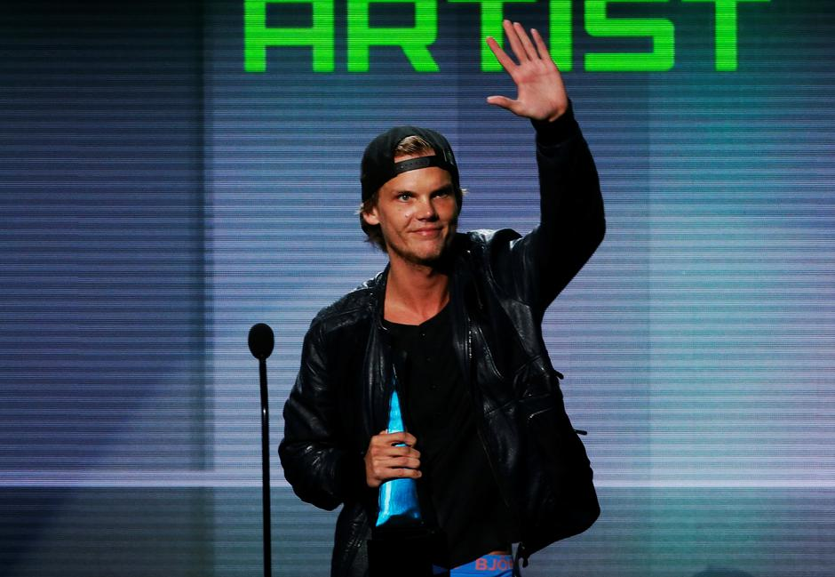 FILE PHOTO: Avicii accepts the favorite electronic dance music artist award at the 41st American Music Awards in Los Angeles | Autor: LUCY NICHOLSON/REUTERS/PIXSELL/REUTERS/PIXSELL