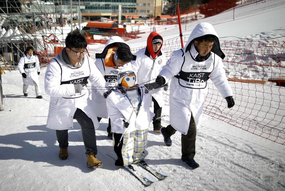 Robot TiBo takes part in the Ski Robot Challenge at a ski resort in Hoenseong | Autor: KIM HONG-JI