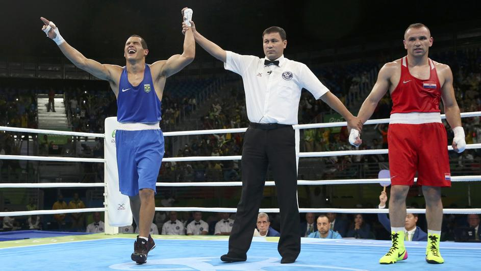 Boxing - Men's Light Heavy (81kg) Round of 16 Bout 90