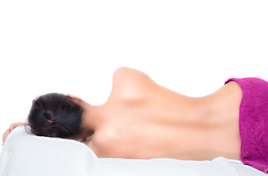 sleeping naked woman with white towel, beauty and health care co | Autor: Dreamstime