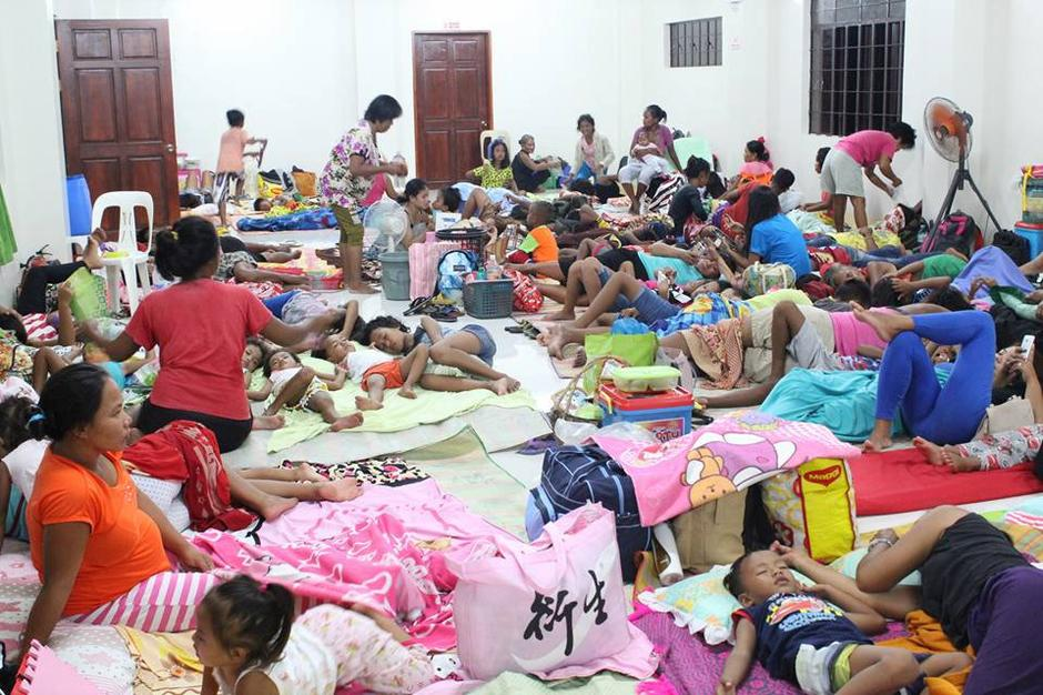 Photo by LGU Gonzaga Cagayan from social media shows people inside an evacuation centre in preparation for Typhoon Mangkhut in Cagayan | Autor: SOCIAL MEDIA