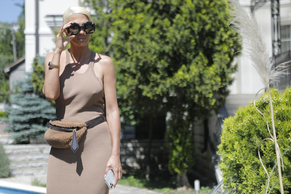 Singer Jelena Karleusa announced a concert on the music streaming platform YOU BOX.