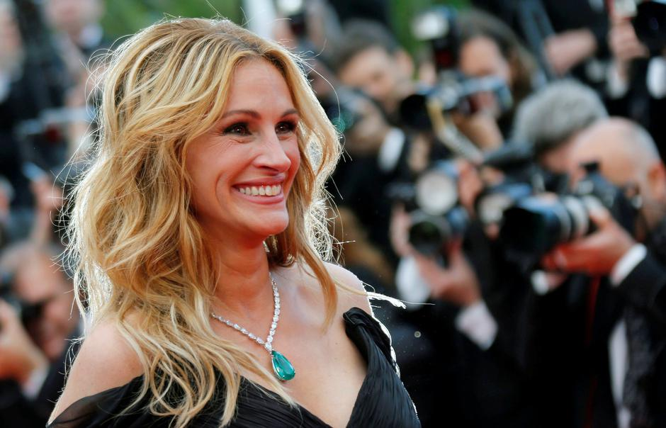 "FILE PHOTO: Cast member Julia Roberts arrives for the screening of the film ""Money Monster"" out of competition at the 69th Cannes Film Festival in Cannes 