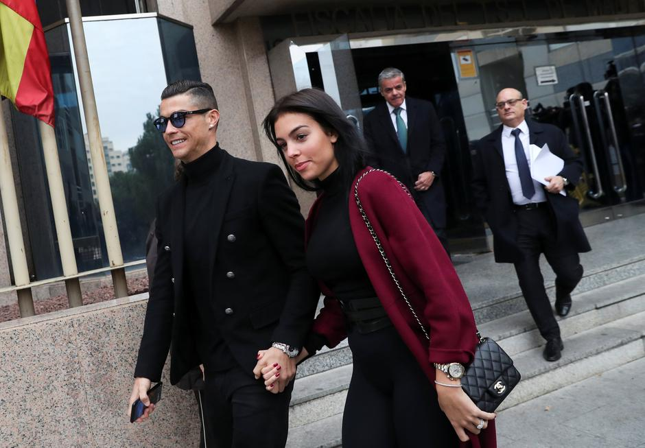 Portugal's soccer player Cristiano Ronaldo leaves after appearing in court on a trial for tax fraud in Madrid | Autor: SUSANA VERA/REUTERS/PIXSELL/REUTERS/PIXSELL