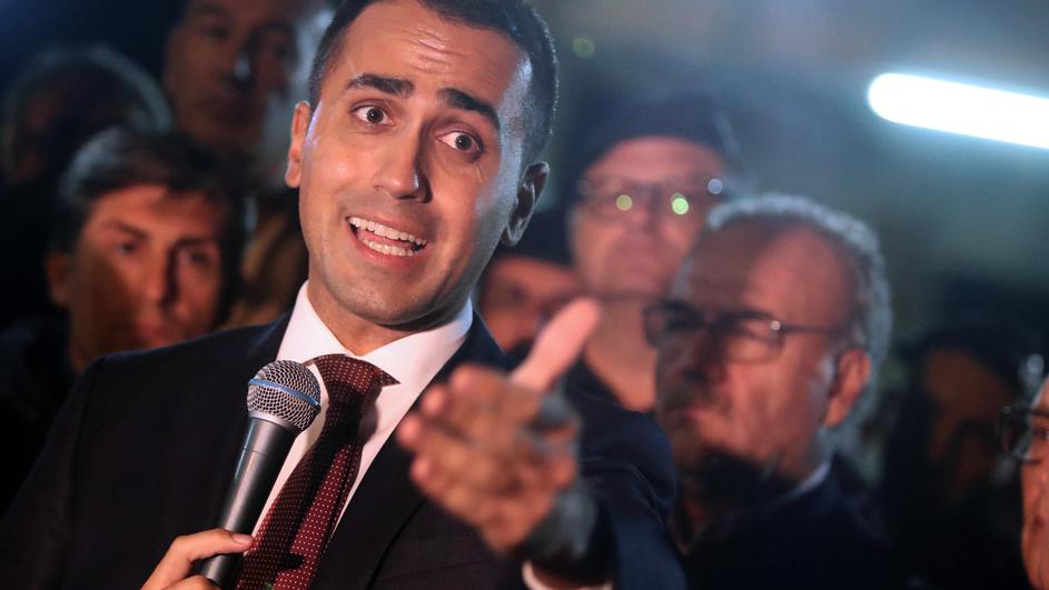 Luigi Di Maio meets the Fiat workers of Termini Imerese in front of the factory